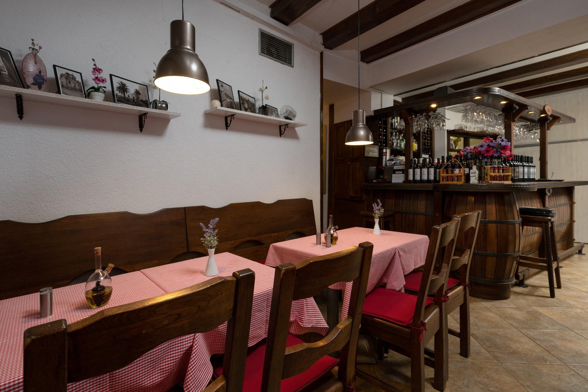 inside portun restaurant