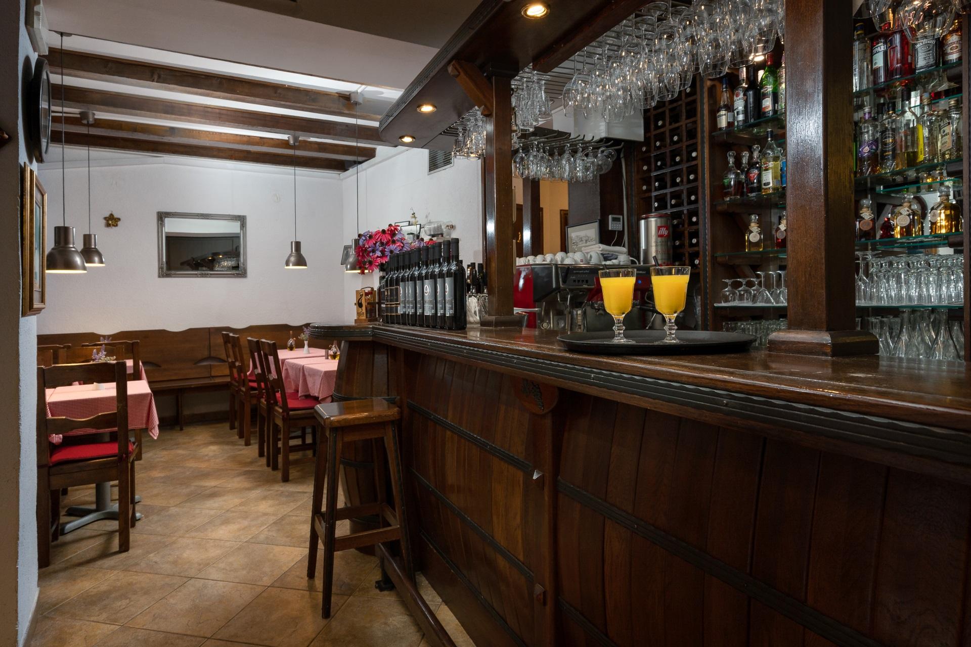 portun bar