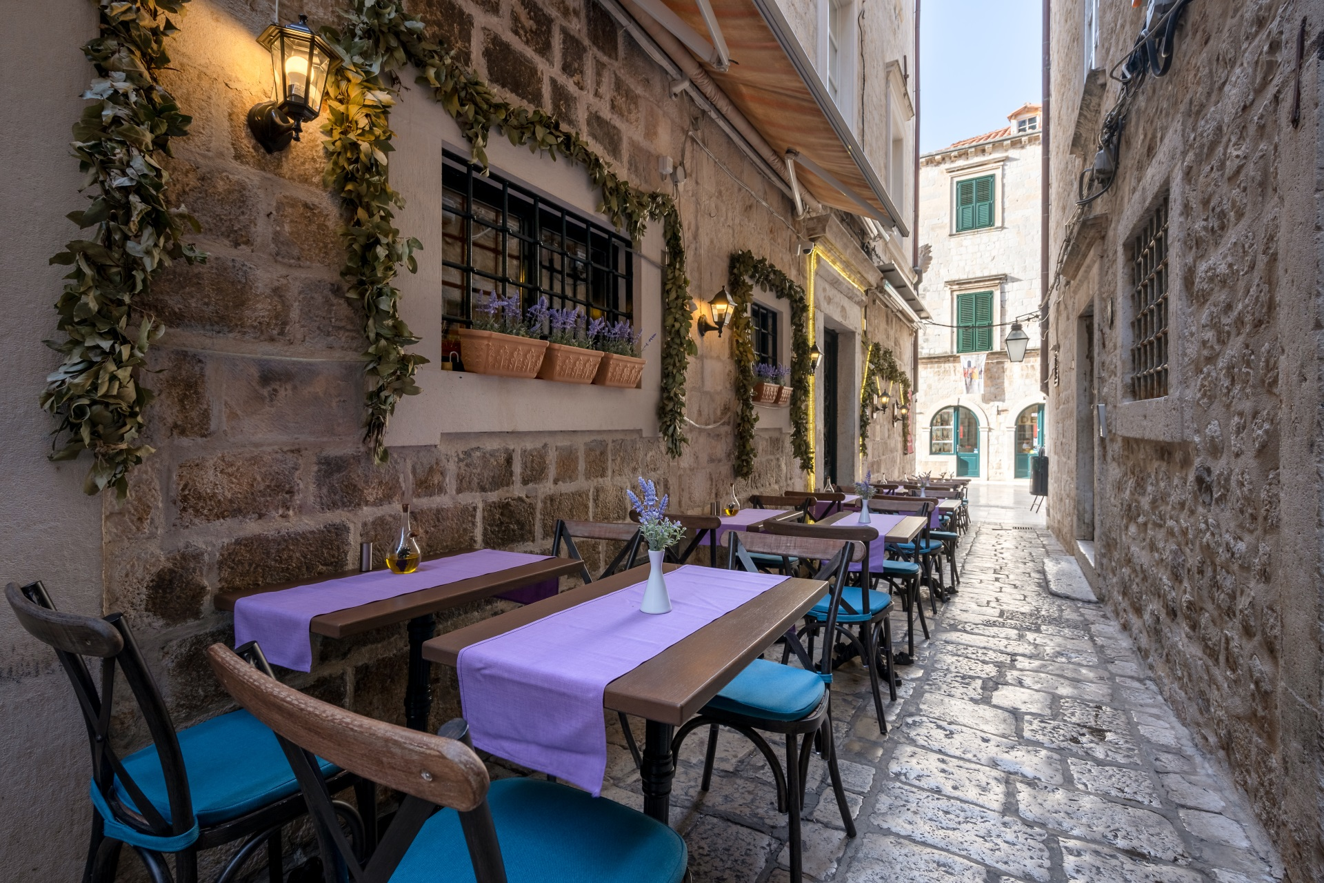 portun old town tables